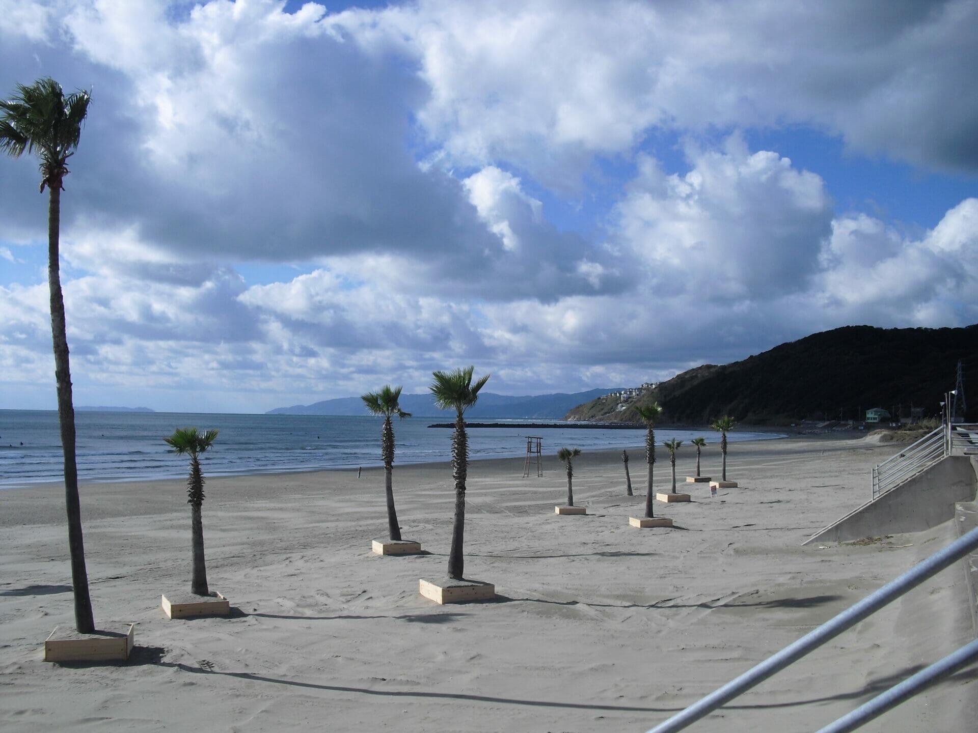 磯の浦海水浴場周辺全域、スケートボードは禁止です。